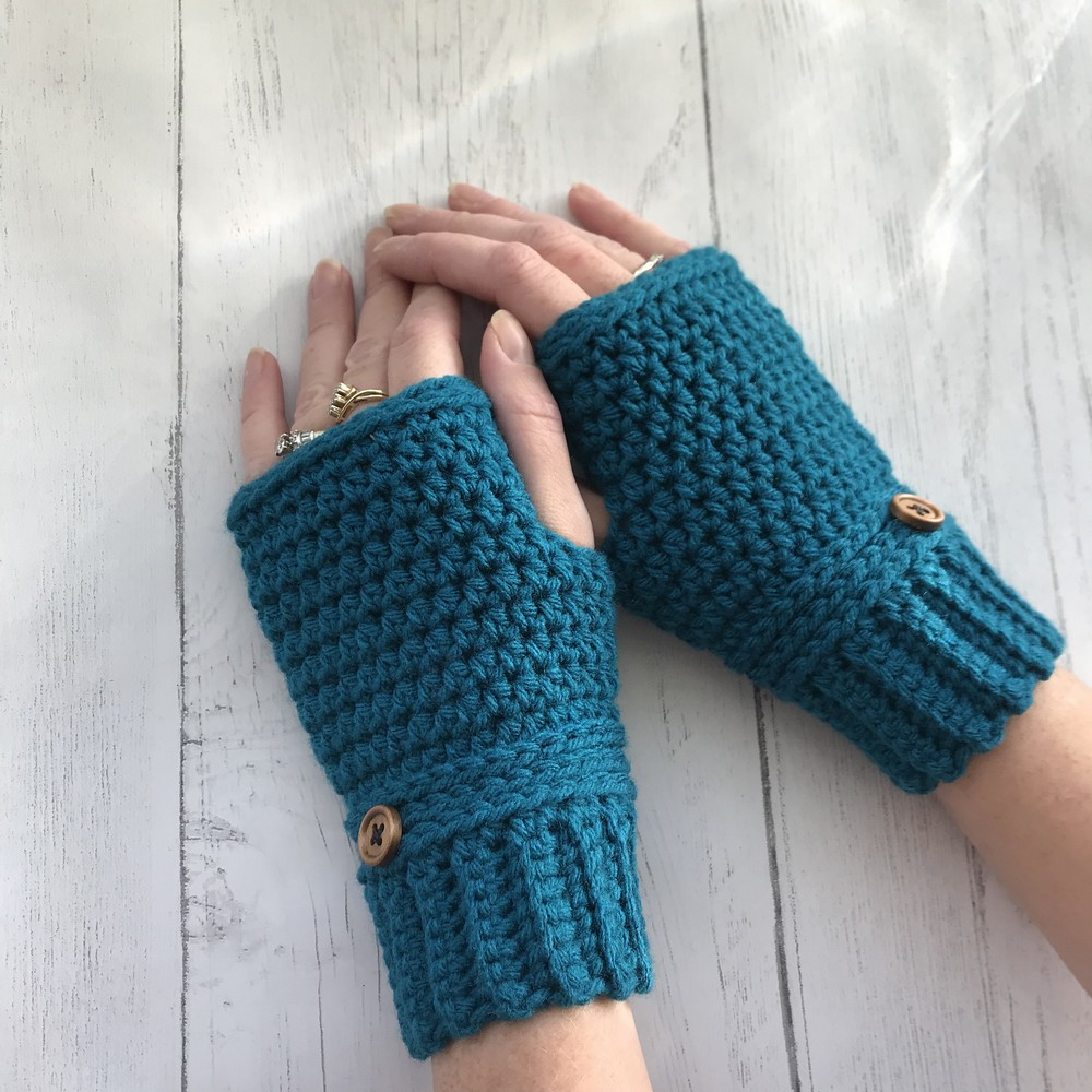 Free Crochet Easy And Quick Fingerless Gloves Pattern