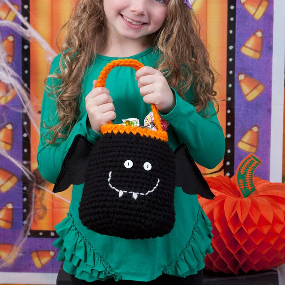 Free Crochet Happy Bat Bag Pattern